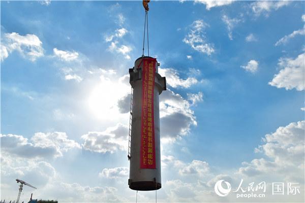 中建埃及新首都CBD标志塔钢结构首吊