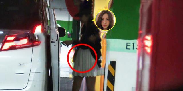 陈赫一家外出就餐,张子萱小腹隆凸明显,身材似怀孕五个月