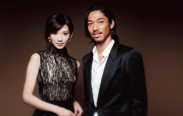 林志玲宣布结婚后 旧爱言承旭现身机场,一个人尽显落寞