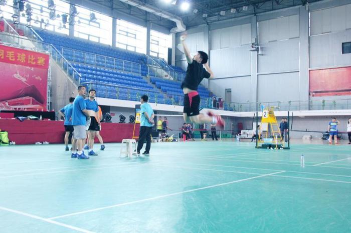 济南热力集团羽毛球队喜获佳绩