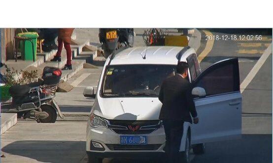 男子停车做了这件事被扣了12分 交警:一点也不冤!
