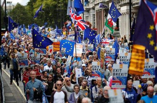 """脱欧""""大限""""将至 英国民众拟再度游行呼吁二次公投"""