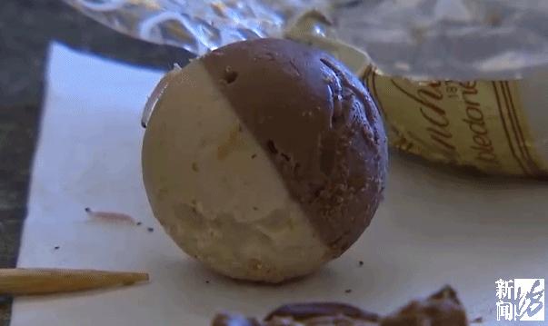 知名品牌的巧克力爬出蛆虫 网友:难不成,梅雨天和肥蛆更配?!