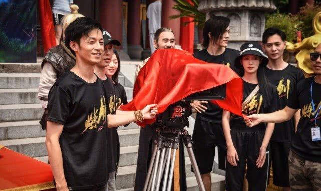 吴秀波方否认复出 横店开机仪式现场疑似出现吴秀波的身影