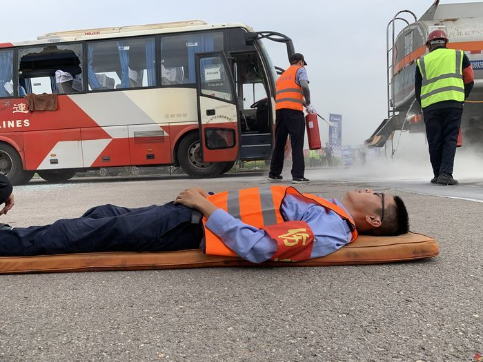 未雨绸缪保平安!济南市交通运输事业发展中心组织举行全市危化品运输企业联合应急演练