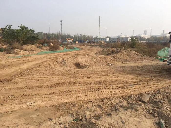 【啄木鸟在行动】融通智能科技产业园项目 施工道路积尘严重