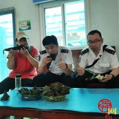 济南公交驾驶员拾金不昧暖人心 乘客送来感激端午粽