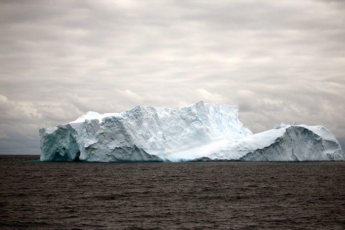极端现象?南极大型冰山崩解科学家想证实:崩解频率为何提高?-社会...