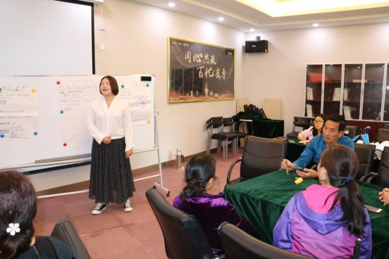 家园事 居民议 龙洞街道全运村社区召开居民代表议事会