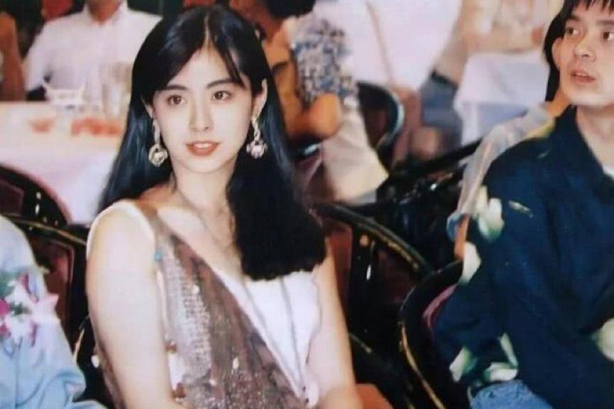 52歲王祖賢近照曝光變化大,瘦下來的她簡直太美了