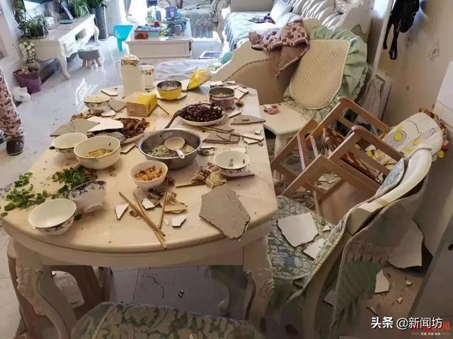 一家5口正在吃饭,哐当!天花板砸了下来!足足40斤呐……