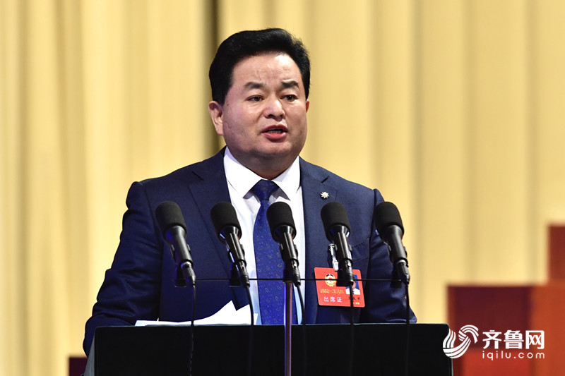 省政协委员王成利:制定扶持政策...
