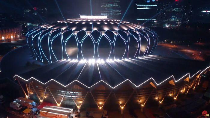 【飞阅泉城】唯美震撼 东荷体育场夜景来袭