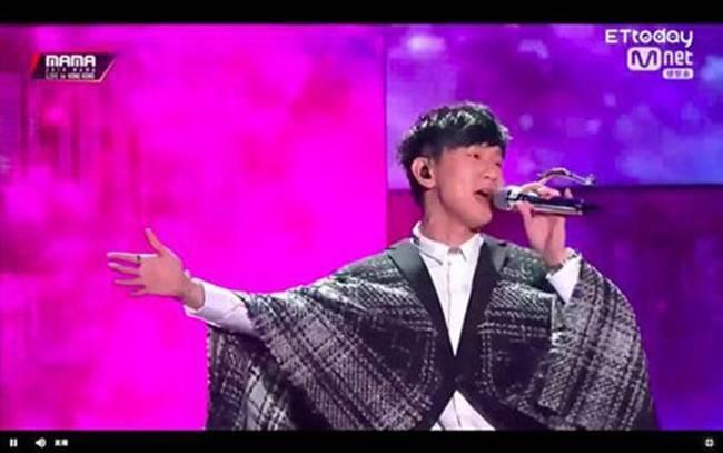 太疗愈了!金钟国与林俊杰合唱惊艳全场 MAMA颁奖礼上还有什么亮点?