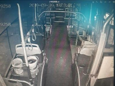 外地少年离家出走来济迷路   济南公交司机乘客合力助其回家