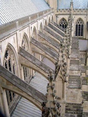 圣母院激光建模已完成 马克龙承诺将要重建这座大教堂