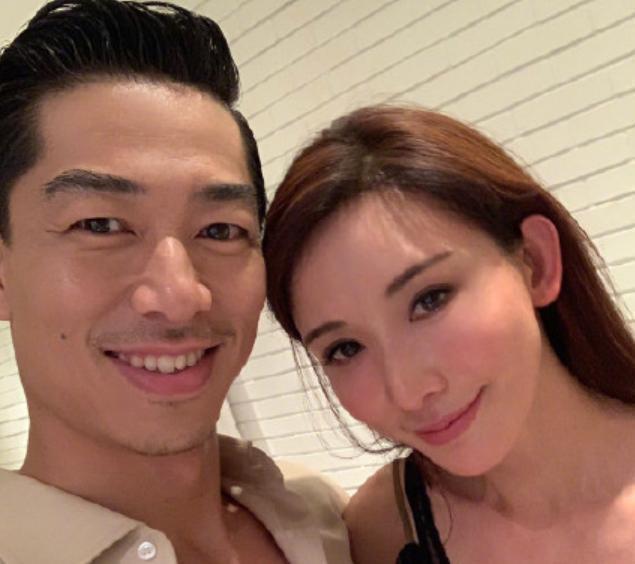 婚纱照?林志玲与老公合体拍片,穿情侣装甜蜜对视