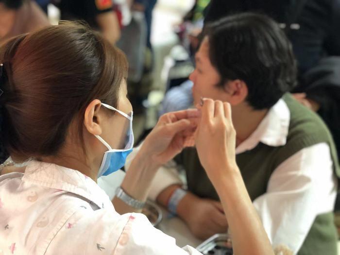 【视频】顶级专家前来助阵 山东省中医耳鼻喉科义诊活动现场火爆