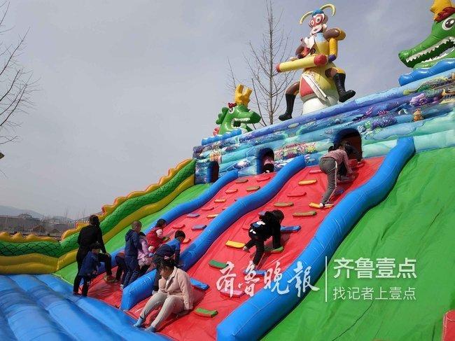 """济南仲宫贺年庙会 成了孩子""""好嗨哟""""的海洋"""