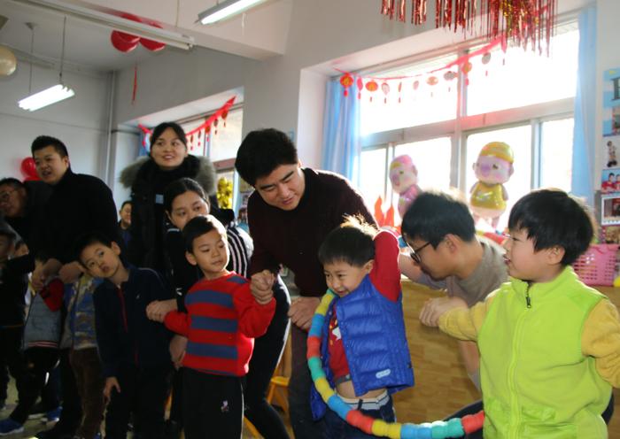家园同乐庆元旦 载歌载舞共联欢——济南市历下区第一实验幼儿园庆元旦联欢活动