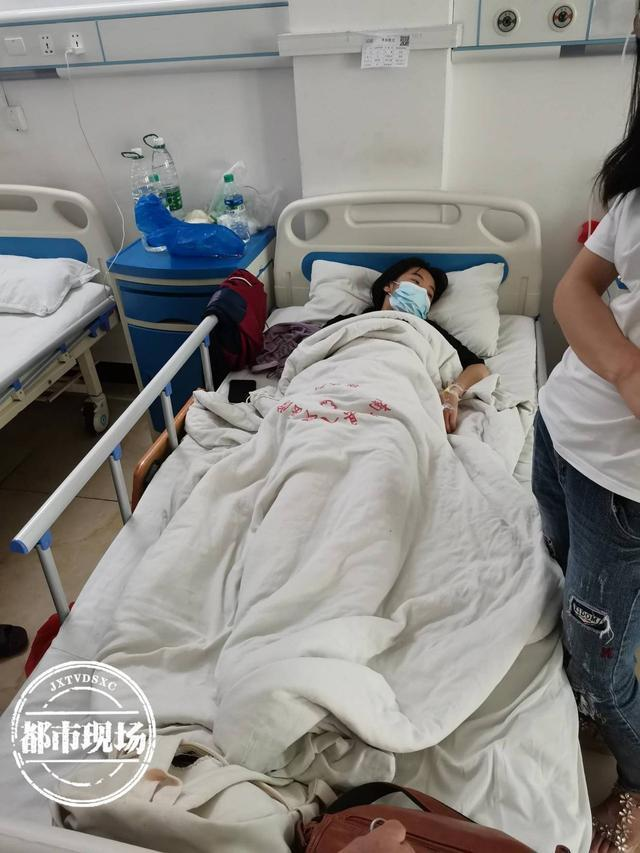 谁来担责?15岁女生被罚200个深蹲后肌溶解 学校已对该老师进行校内通报处分
