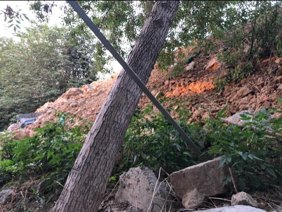 【啄木鸟在行动】槐荫区腊山御园南侧工地渣土裸露