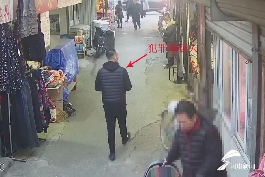 高清无码!济南一菜市场里偷手机 这个窃贼谁认识?
