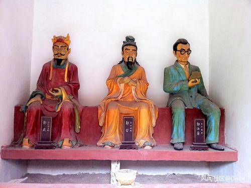 辣眼睛!湖南5a级景区现魔性黄盖雕像上热搜,具体是怎么回事?