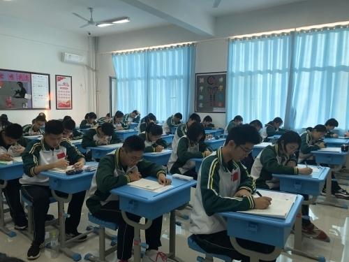 济南三中领秀校区学部顺利完成合格考模拟考试