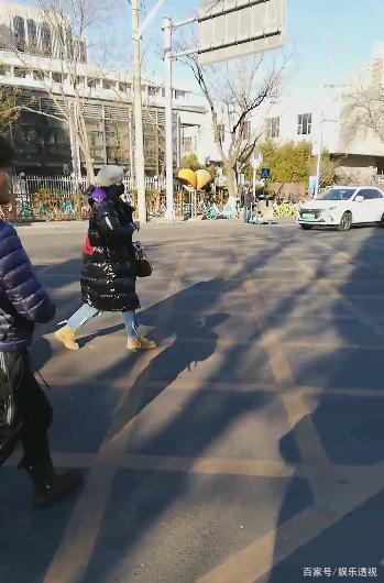 央视春晚今天首次联排,魏大勋、吴磊、王源等陆续露面