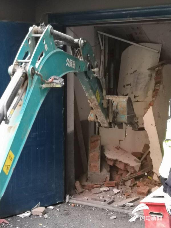 濟南興濟河小區16處樓道儲物間被拆除
