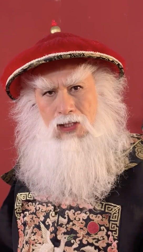 疾锦江的圣诞祝愿 这位黑胡子红帽子老爷爷来啦