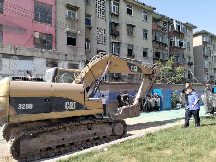 历城区实施首例国有土地上住宅房屋依法强制拆迁行动——田园新城、雪山片区2项目国有