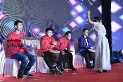 """济南有一支""""乐橄儿高矮胖瘦乐队"""" 帮助智障人士登上舞台重拾信心"""