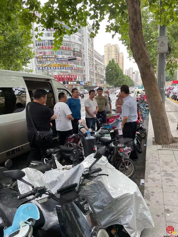 半天巡查12条路段 济南市路长互查互评工作在历城区开展