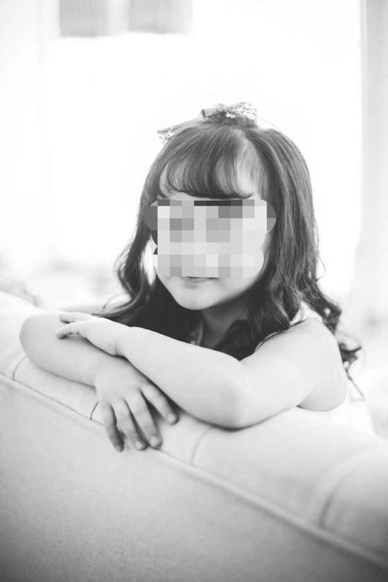 上海一商场试衣镜砸死6岁女童 商场沉默商铺停业
