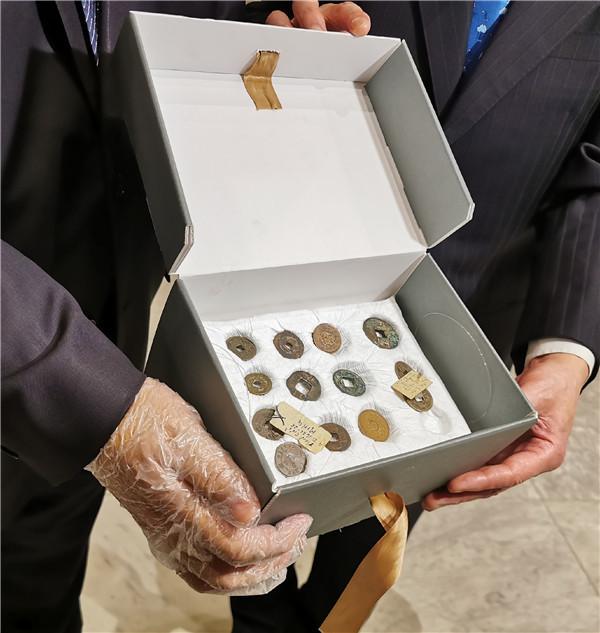埃及向中国返还31枚中国古钱币 最早为西汉时期