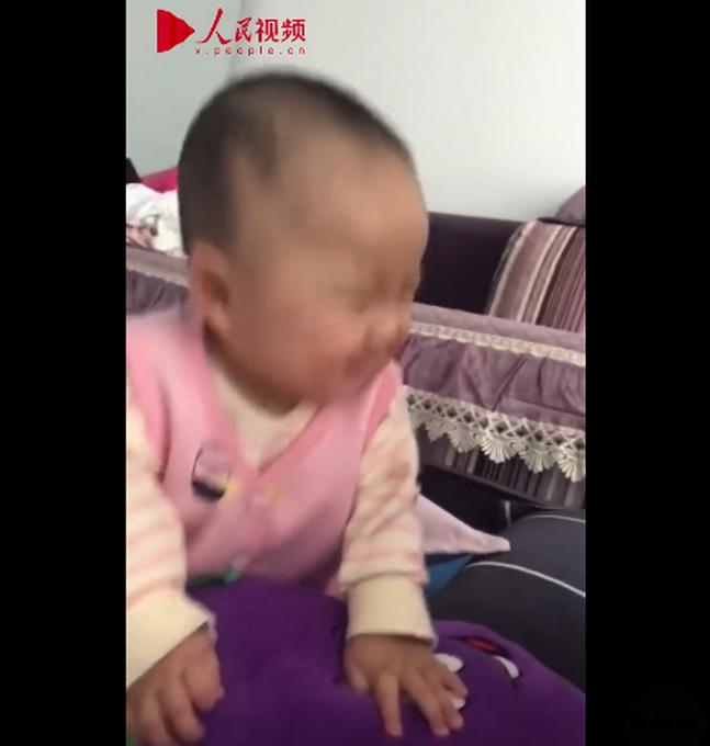 戏精本尊!妈妈发现听话符,贴宝宝额头上瞬间安静不吵闹