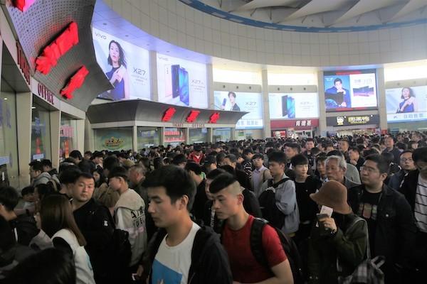 清明假期济南近郊游火爆!汽车站旅客翻了三倍,铁路客流达42万人次