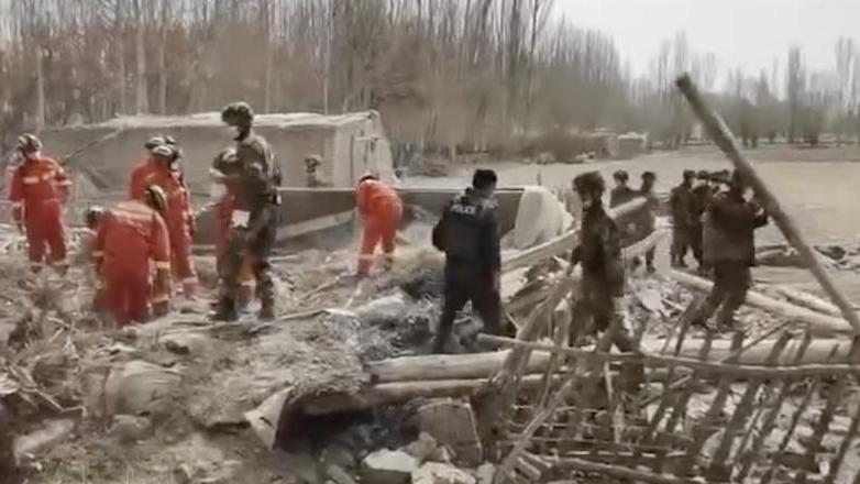 新疆拜城县发生5.4级地震 救援工作进行中