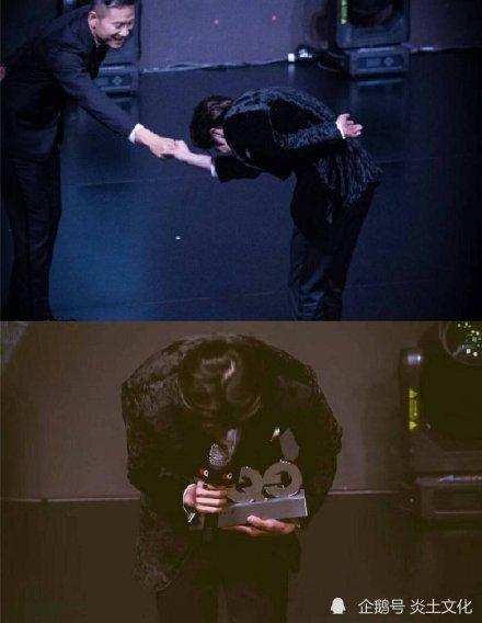 优质偶像!蔡徐坤给张凯丽让伞 绅士的暖心让雨夜温暖了起来