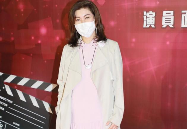 【围观吃瓜】TVB高层没想过放弃黄心颖说了什么?具体什么情况?