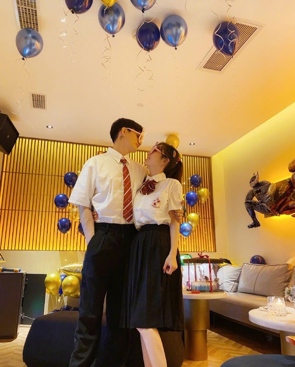 【吃瓜围观】张檬金恩圣戴情侣对戒,这是在暗示二人已经订婚了?