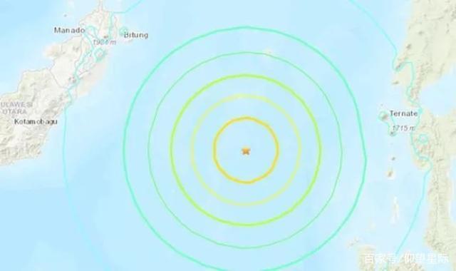 印尼7.1级地震引发海啸预警 当局敦促市民搬到地势较高地