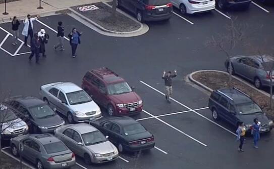 枪案频发!美国丹佛市中心发生枪击案 致1死3伤