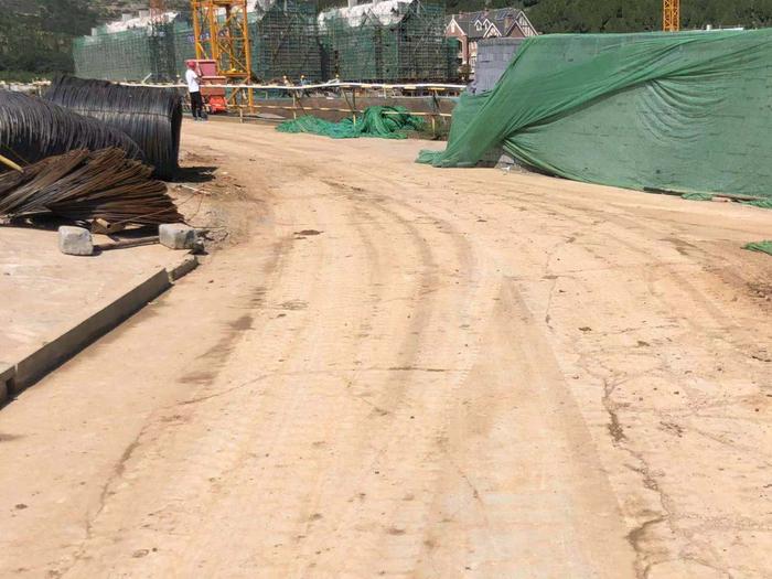 【啄木鸟在行动】龙洞紫郡A2地块房地产开发项目 工施现场严重扬尘