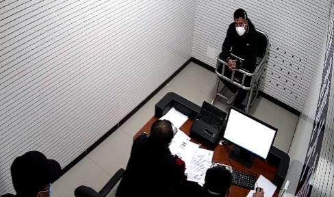 """北京铁警""""非接触""""取证 一黑车招揽男子被拘留"""