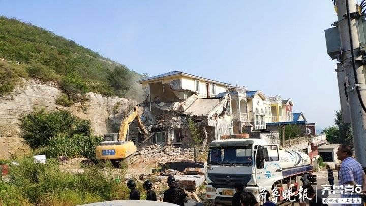 拆违不停歇!济南一森林公园入口处4栋违建别墅被拆除