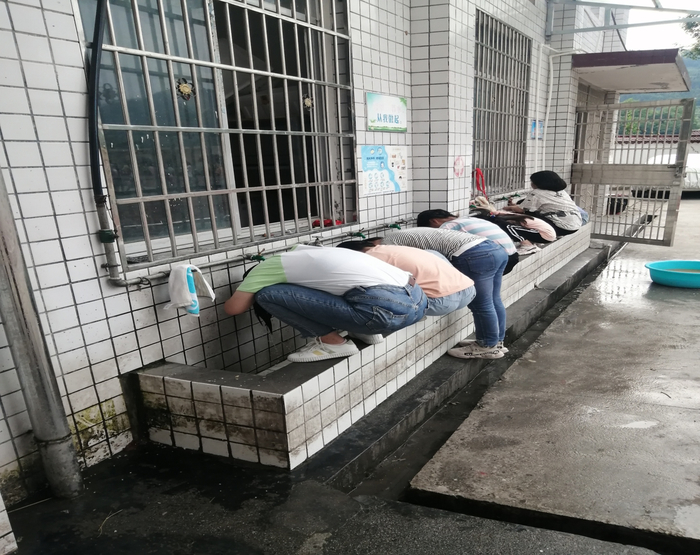 """织就扶贫""""网""""搭起连心""""桥"""" 历城区三年派出近百名教师支教湘西"""
