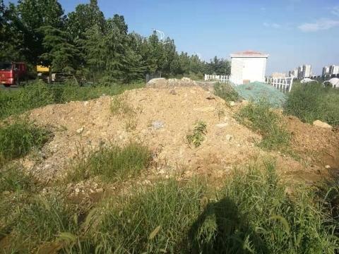 【啄木鸟在行动】章丘区工业二路渣土堆积